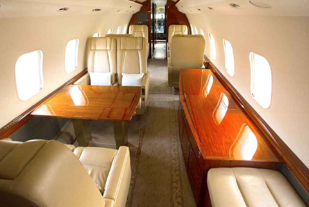 Flight Force business aviation Bombardier Global Express SN 9143_Page_2_Image_0003.png