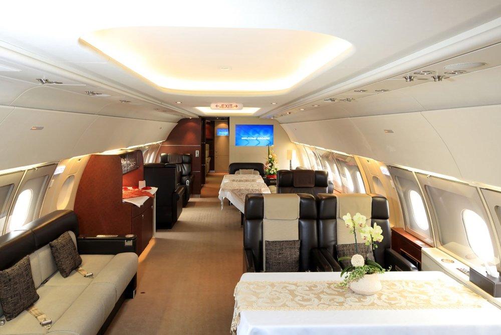 FlightForce ACJ-318 Interior