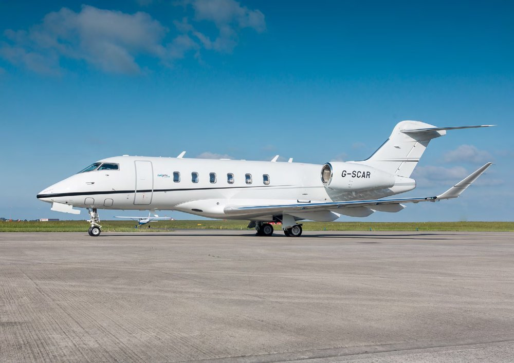 """CHALLENGER CL350<a href=""""/bombardier-challenger-350-sn20530""""></a><strong>BOMBARDIER</strong>"""