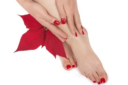 11390796_S_Holiday_Feet_Legs_Hands_Pedicure_Manicure_Nails_Flower_Toes_.jpg