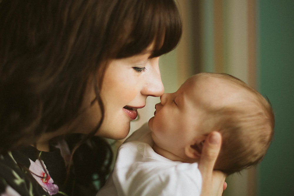 Newborn - Lifestyle - Natural Portraits - Mother's love - Olney.jpg