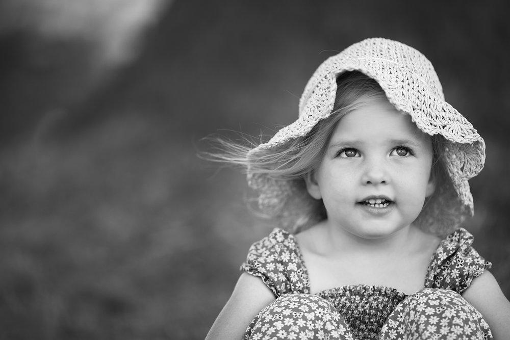 Girl in hat - Milton Keynes Child Photographer.jpg