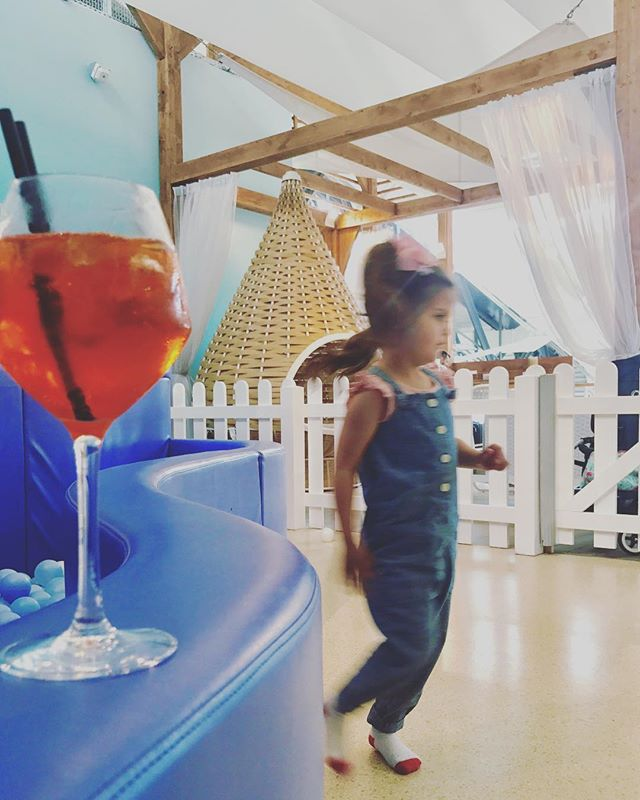 Nice airport has a nice rest area for baby and daddy. It's upstairs at the cafe with the big slide. #niceairport #airporthacks #nicebaby #heyjetsetbaby #aperol