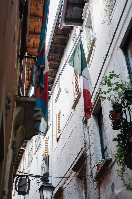 The narrow lanes of Orta San Giulia