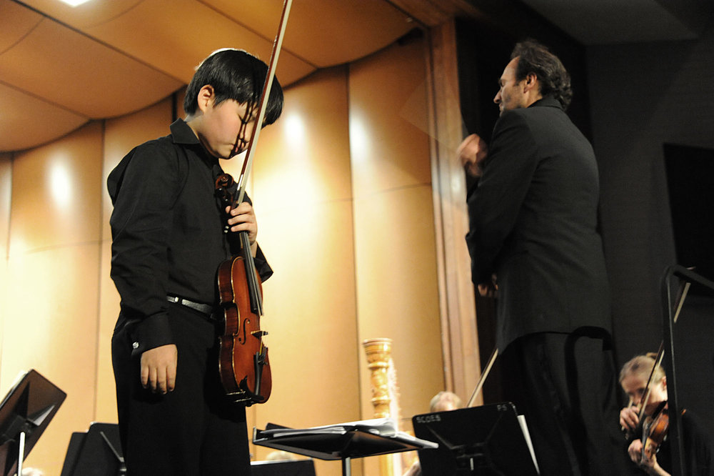 Violin prodigy plays with New Britain Symphony