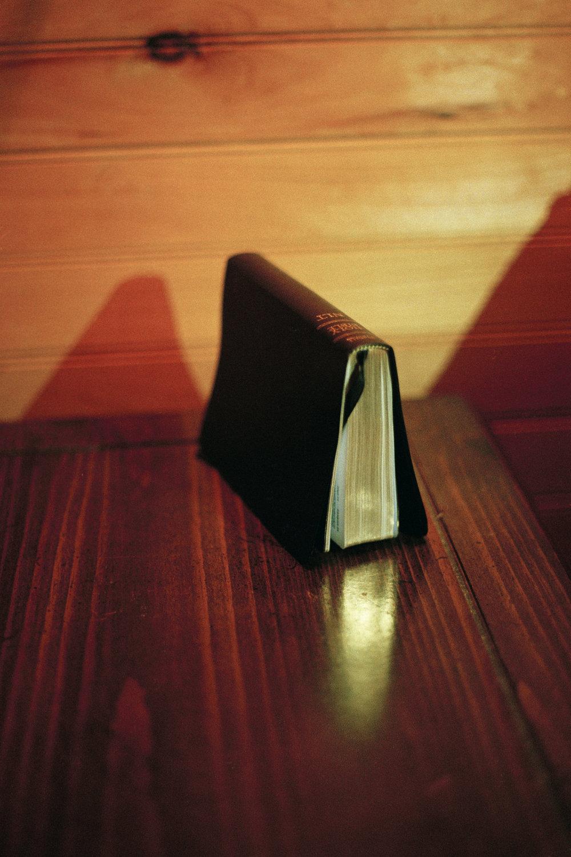 (edit)Bible 001.jpg