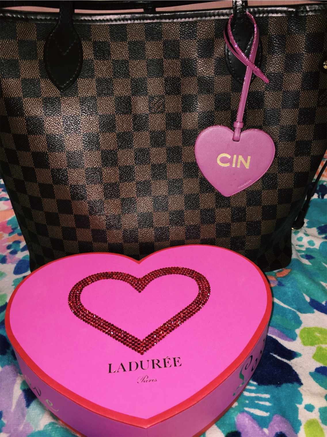 c038fd7a6422 The key to buying a Louis Vuitton Neverfull — Cin