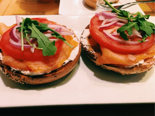 THINKING CUP - SALMON BAGEL
