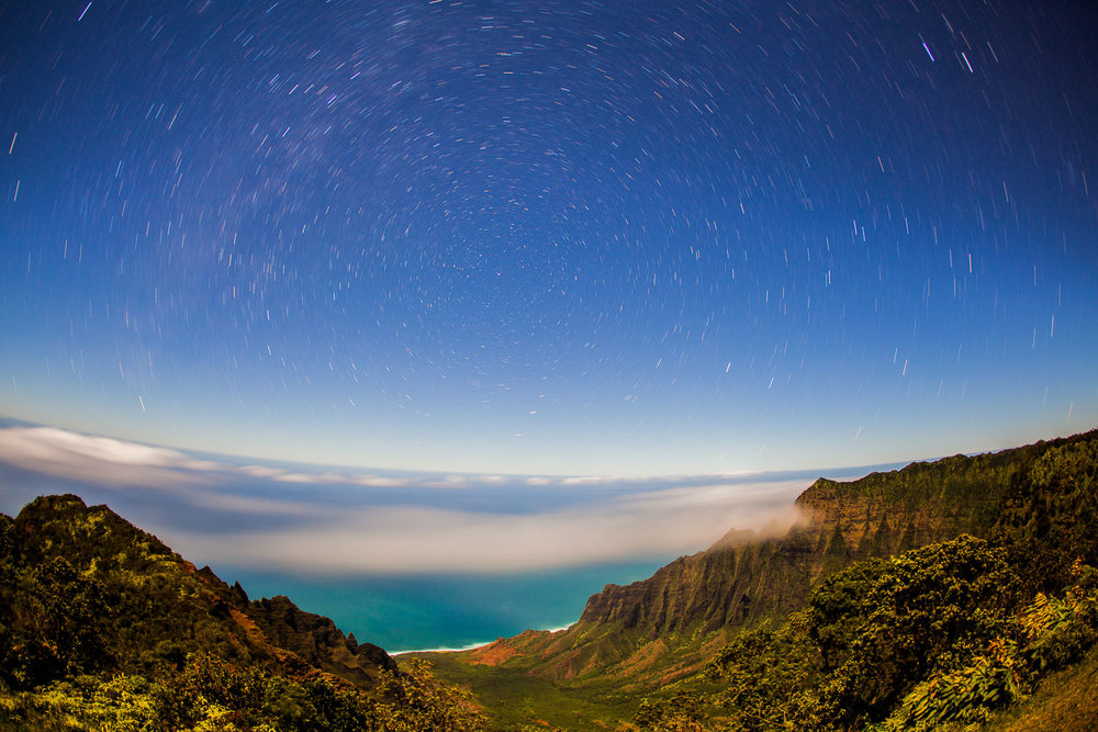 Star trails over the Nā Pali Coast, Waimea Canyon, Kauai