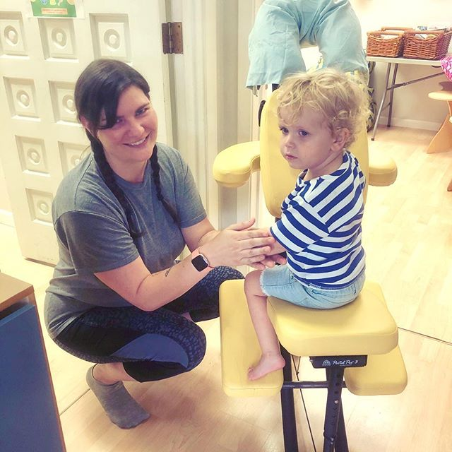 My first client of the day. 👧🏼💆🏼‍♀️ If you've got little ones, come by @toybraryaustin Thursdays & Fridays 10-1 every week for Relax & Play.  Get a massage while they play with all kinds of awesome toys! #chairmassage #parentsupport #caregiversupport #playtime #stayandplay