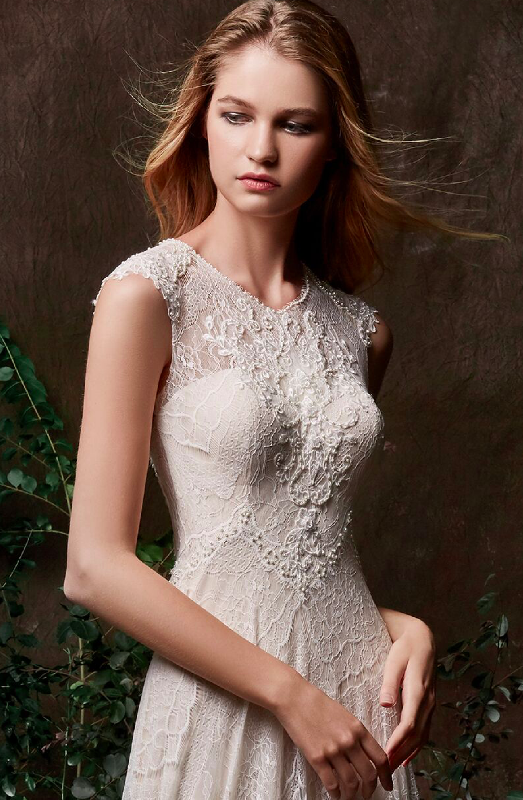 Chic Nostalgia - A unique designer bridal collection established in 2009, this brand was developed from a passion to combine classic silhouettes with fresh designs, allowing the bride to be modern and chic, yet timelessly beautiful. Come see the best boho line in the industry!