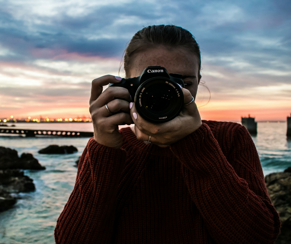 iFundWomen_Woman_Camera.png