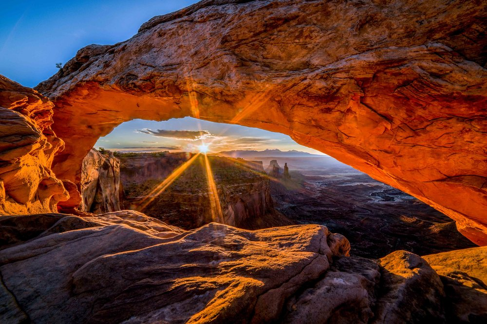 Mesa Arch Sunburst_001.jpg