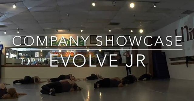 Our Evolve Jr showcased their camp dance today directed and choreographed by Eileen King @eileenbking . . Link in bio . #evolvejr #contemporarydance #companydancers #lyricaljazz #dance #royalfamily #dancefamily . @kingskrew @unityschoolofdance  Video by @johawkdance
