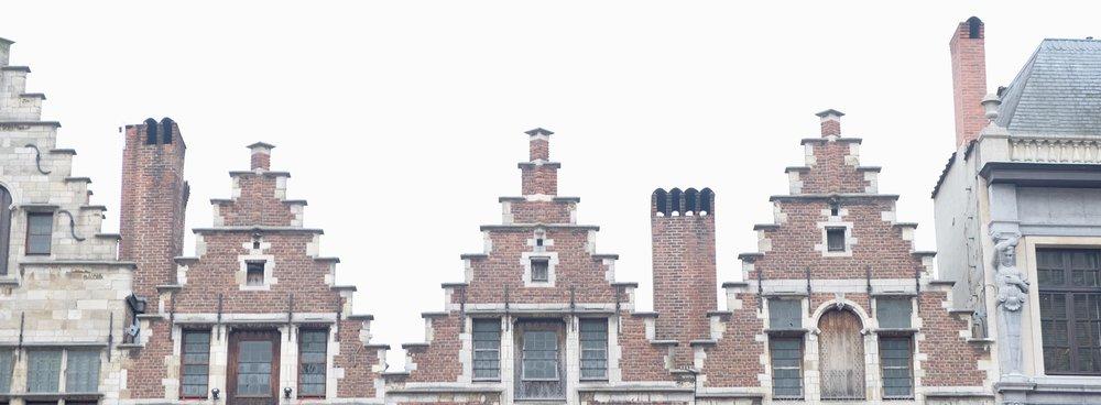Antwerp-Rooftops-Houses-Rucksack-Magazine