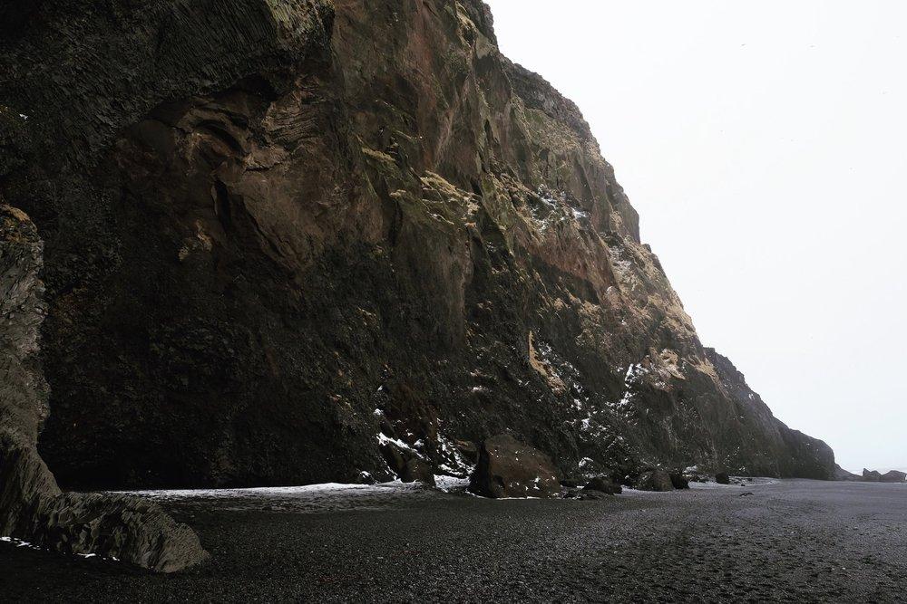 Black-Beach-Cliffs-Rucksack-Magazine
