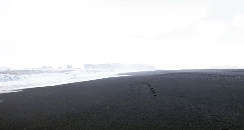 Reynisfjara-Beach-Rucksack-Magazine
