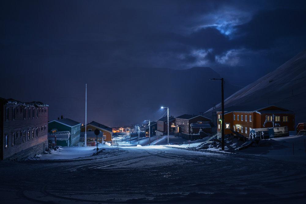 SVALBARD_norway_longyearbyen_city_lights_polar_night_by_maria_sahai.jpg