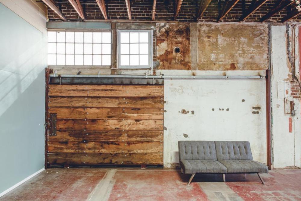 Houston Warehouse Studios ( @houstonwarehousestudios )