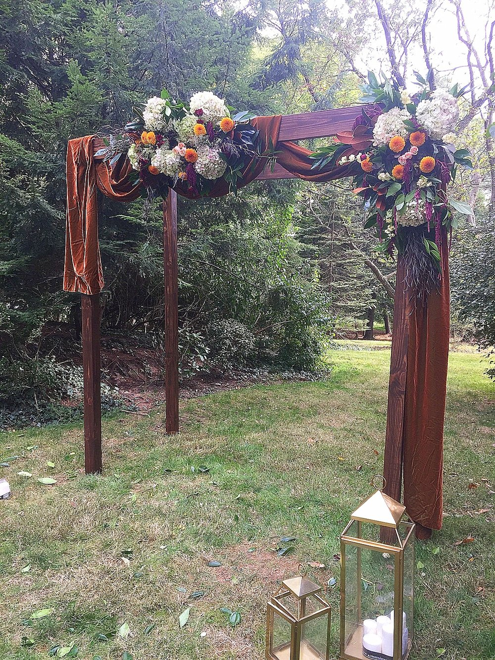 Rustic Wood Arch.jpeg