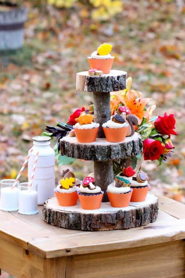 3 Tier wood slice cake stand.jpg