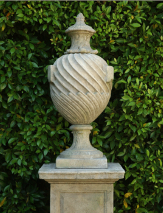 D&L Venetian Finial with Pedistal.png