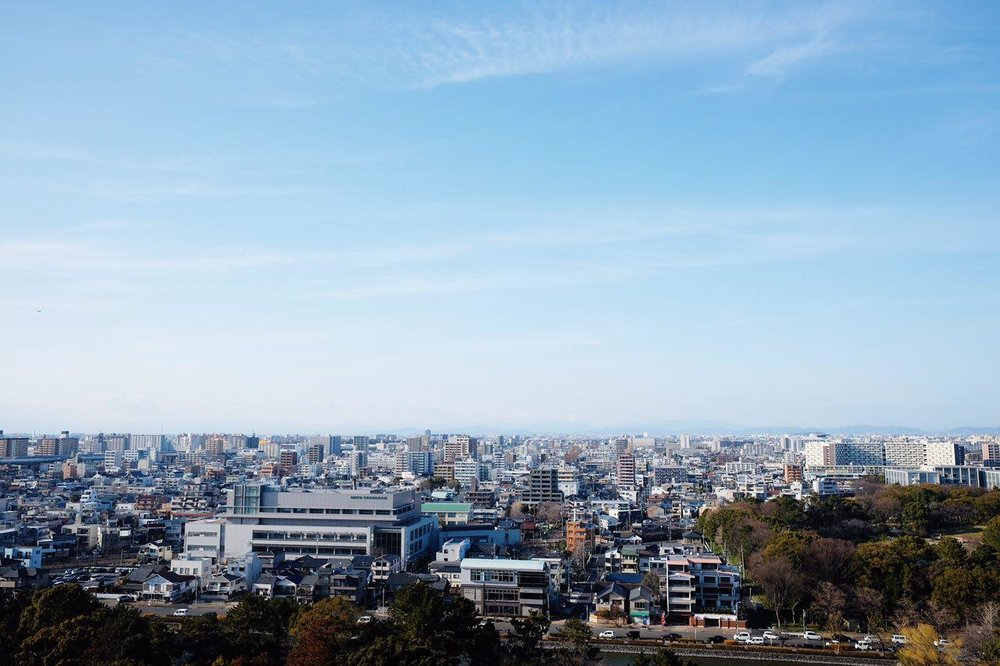 View from the Nagoya Castle. The clean and clear-cut horizon is pretty calming, I must say