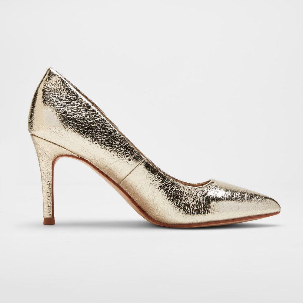 gold heels.jpg