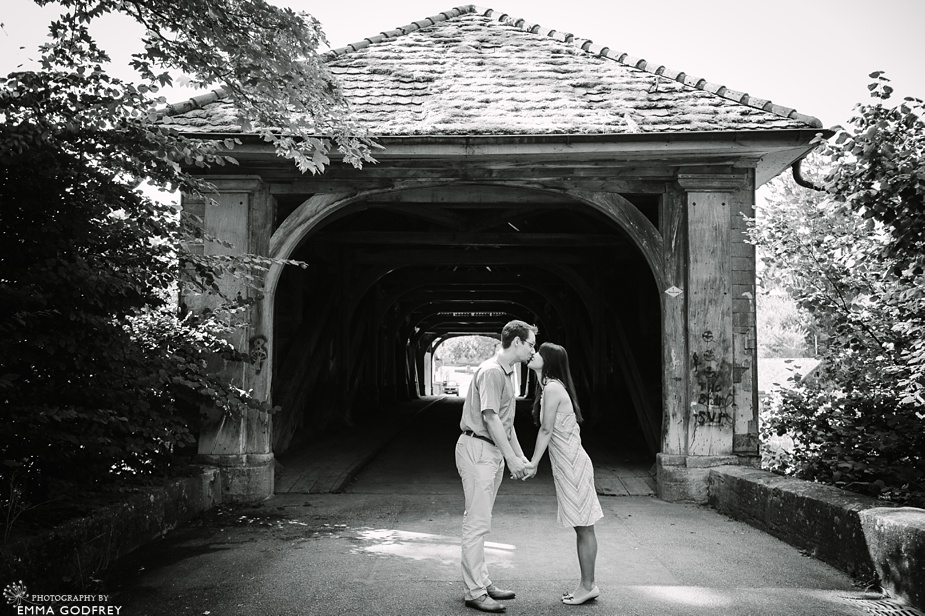 Covered bridge pre-wedding shoot