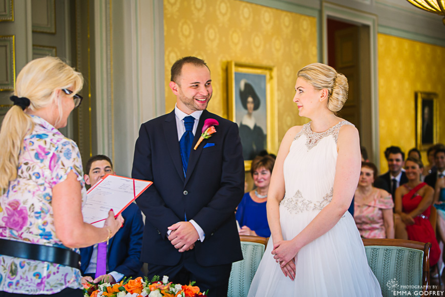 Exchange of vows in the Salon Bleu of Palais Eynard