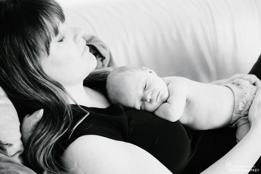 Lifestyle-baby-photography-mum.jpg