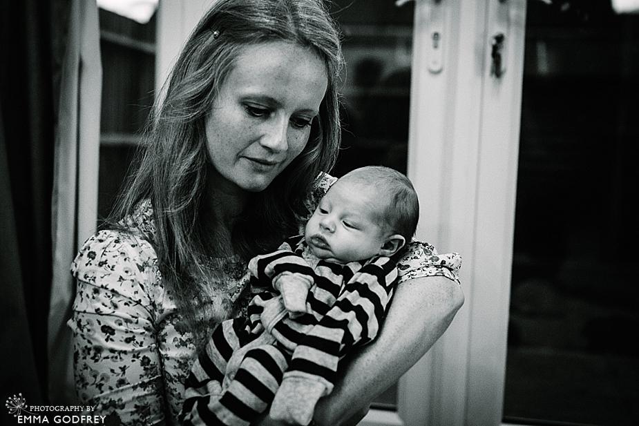 24-Tommy-newborn-4243-bw.jpg