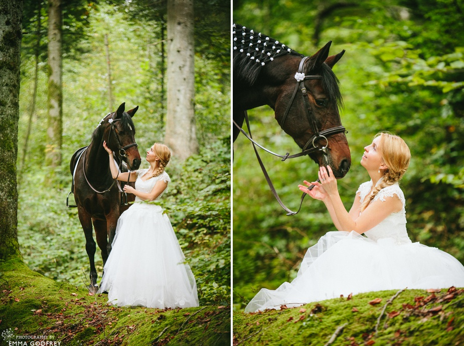 Bridal-portraits-horse-forest_0007.jpg