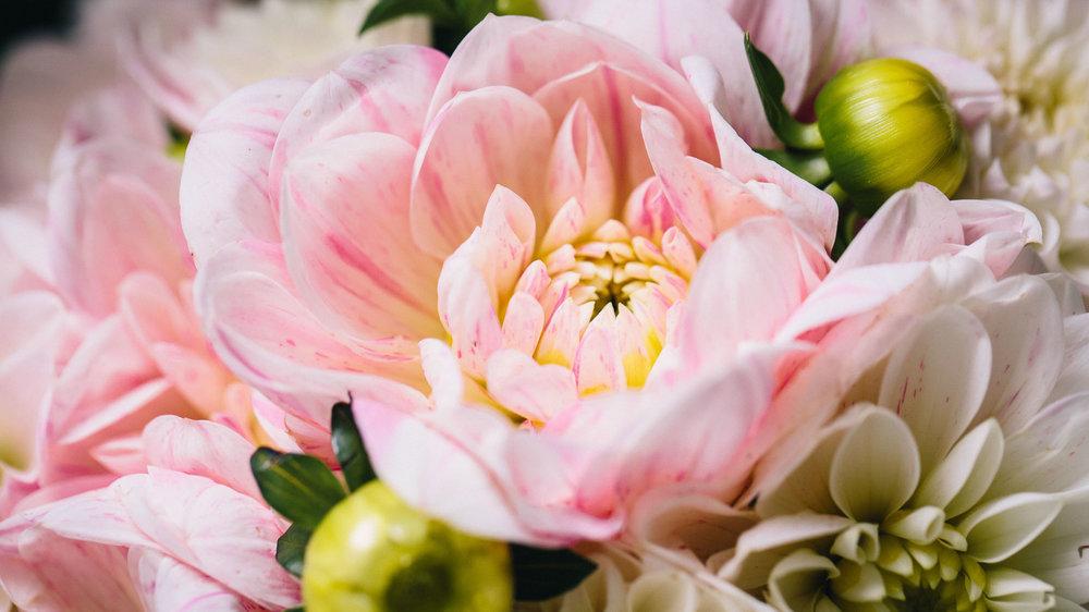 Bouquet mariage rose avec dahlia
