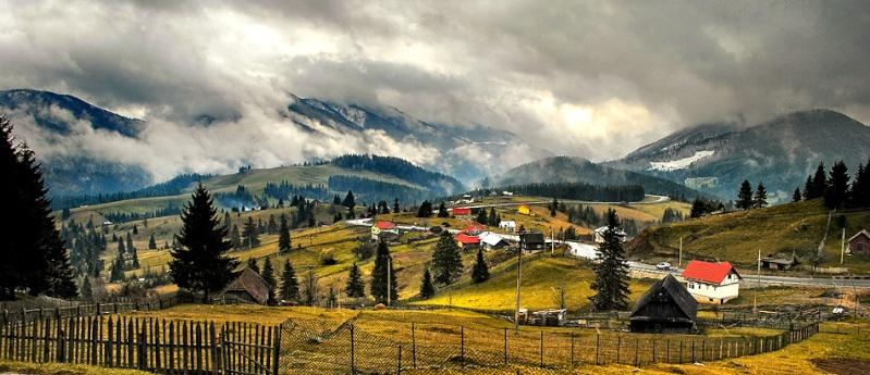 Borgo Pass landscape.jpg