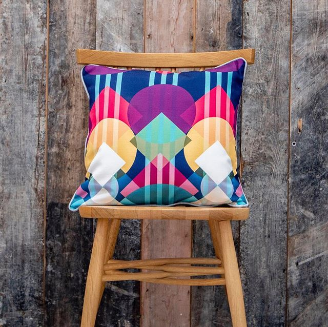 The #CollideCollection can be applied to sumptuous soft furnishings - and it's the details that are key! Handmade in England, with plain, piped or oxford edging, and made in durable yet tactile heavyweight fabrics; Lumetrica cushions are made to delight the senses and bring vibrancy into their surroundings. . Take a look for yourself at SP520 in #TopDrawer #SS19's #Spotted section. . #SoftFurnishings #VibrantColours #GeometricPatterns #Cusions #OutOfTheOrdinary #TopDrawerTuesday #Interiors #InteriorDesign #BritishDesigners