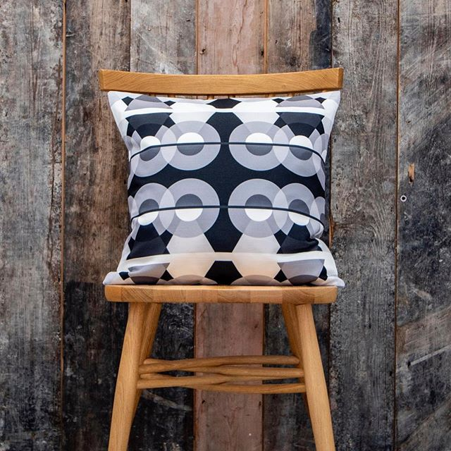 ▪️⚪️🔲◽️⚫️▪️Keeping the monochrome theme going for another post - here's a cushion from the #Lumetrica Collide collection. [Design: MONO.BLOCK] DM me if you want a trade look book sent out #collide19 #monochrome #homedecor #topdrawerlondon #homesweethome #bnw #geometric #topdrawer