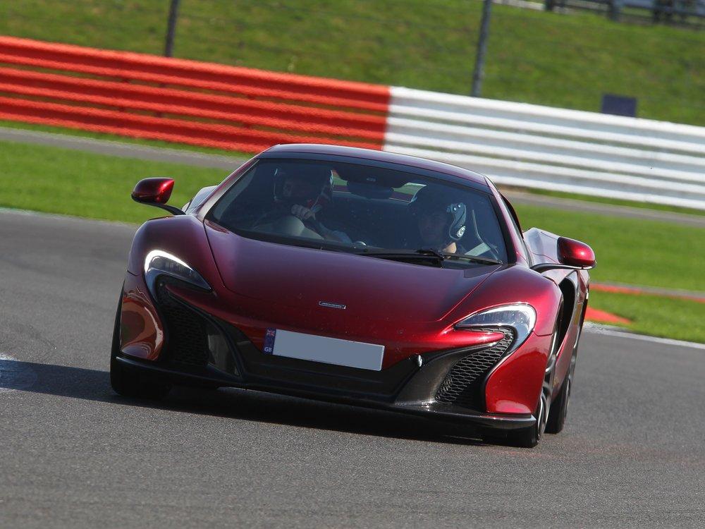 McLaren 650S x.jpg