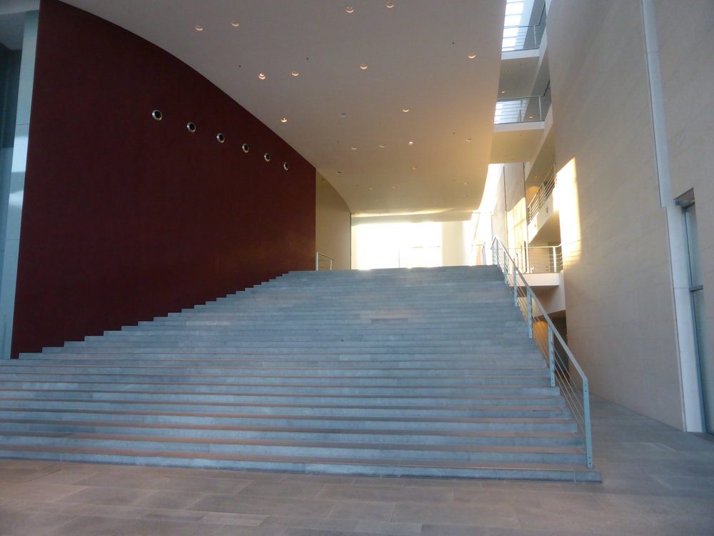 Die große Treppenanlage.