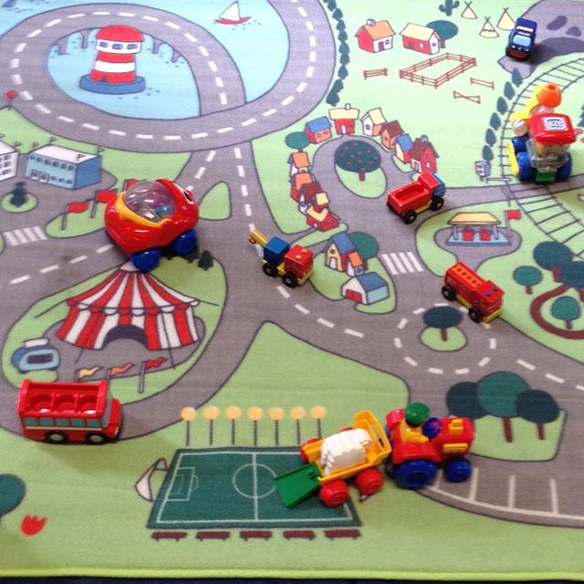 Cars are the best! St Mark's Monkeys . . . #stmarks #monkeys #stmarksmonkeys #royaltunbridgewells #tunbridgewells #stayandplay #babyandtoddler #group #fun #cars #toys #carmat #blessings