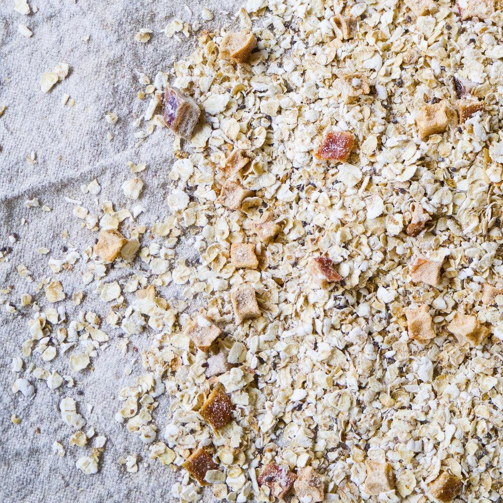 - Müsli Balanse er en herlig frokostblanding basert på solide ingredienser som er rik på naturlige kostfibre. Dette bidrar til å opprettholde en gunstig bakterieflora, og en naturlig balanse i mage- og tarmfunksjonene.Inneholder havregryn, jordmandler, dadler, kokosmasse, chiafrø, epleterninger og havrekim.EPDnr 4519641  BioKing