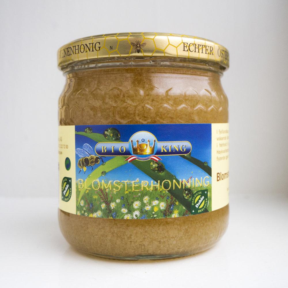 - Blomsterhonning. I de østerriske fjelllandskapene i Kundl samler biene blomsternektar fra viltvoksende blomster, urter og trær. Blomstene gir honningen den fine, gylne fargen og en nydelig, aromatisk smak.Høykvalitetshonning kan krystallisere, men gjøres flytende igjen i et varmt vannbad.EPDnr 2097475   BioKing