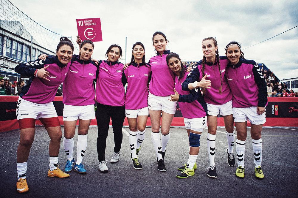 Team Girl Power – goal 11 –