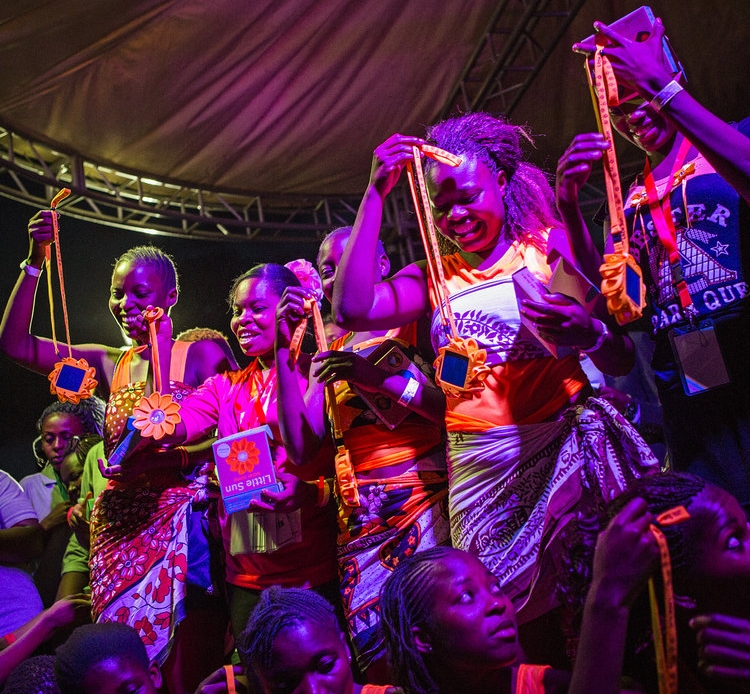 2017 GGWCup Nairobi - Moving The Goalposts took the victory in Nairobi. 2500 spectators cheered them on. They won a trip to compete in the tournament in New York later that year. Eir partnered with the Royal Danish Embassy, Save the Children and GAIN for this event. With support from Safaricom, Flora Holland & Little Sun. -The amazing Ihan Haydar from the danish band L.I.G.A composed our Global Goals anthem!MOU with Save the Children