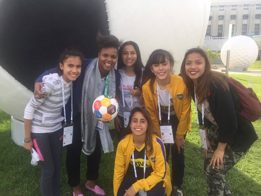 League players w/ Karina LeBlanc