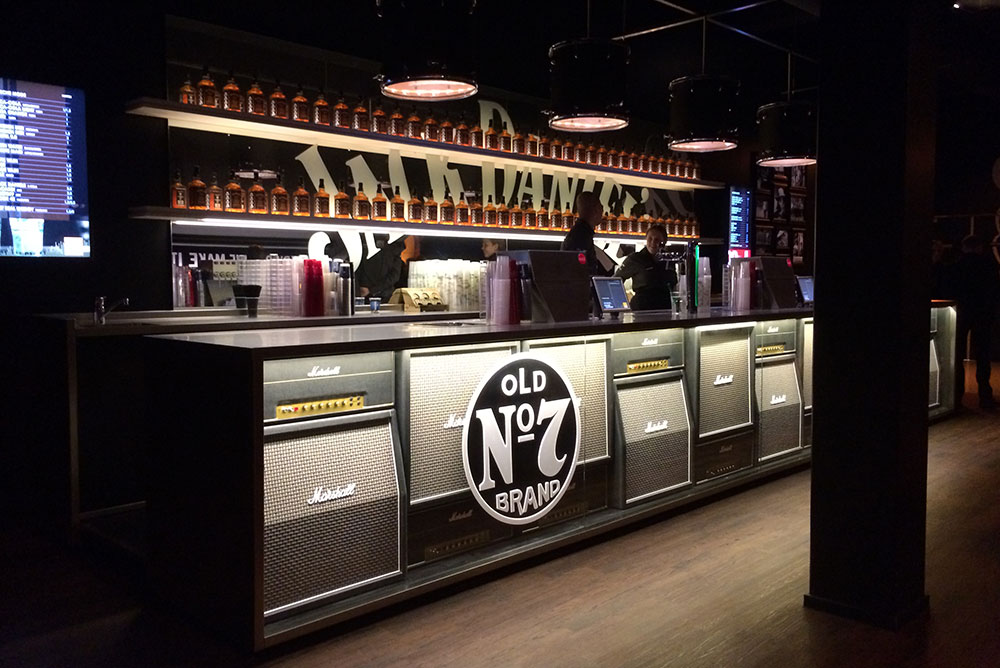jack_daniels_lounge_01_ziggodome_bar_maaq_design_build