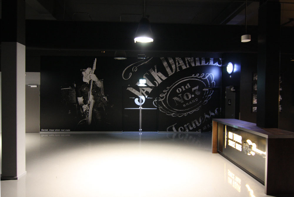 jack_daniels_lounge_03_fotowand_ziggodome_maaq_design_build