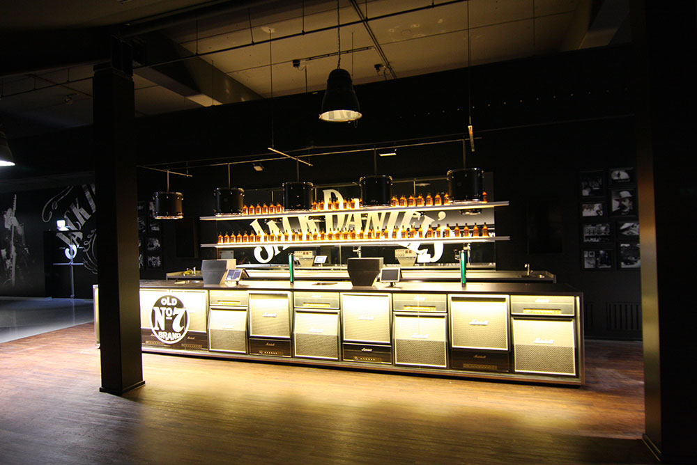 jack_daniels_lounge_04_ziggodome_bar_maaq_design_build