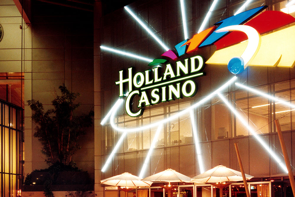 holland_casino_01_signing_neon_verlichting_maaq_design_build