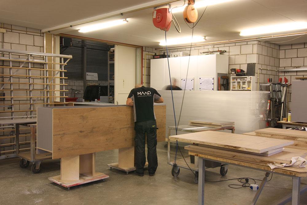 amys_markhal_shop_04_realisatie_werkplaats_maaq_design_build